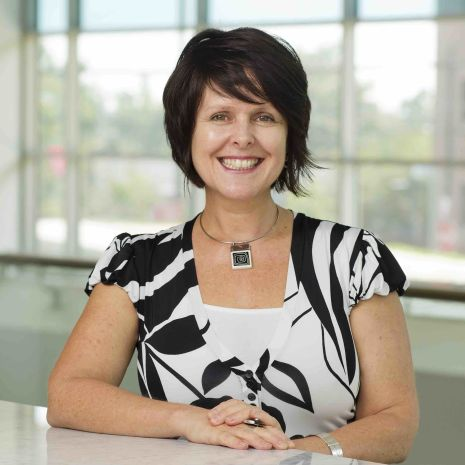 Portrait photo of Wendy Magee